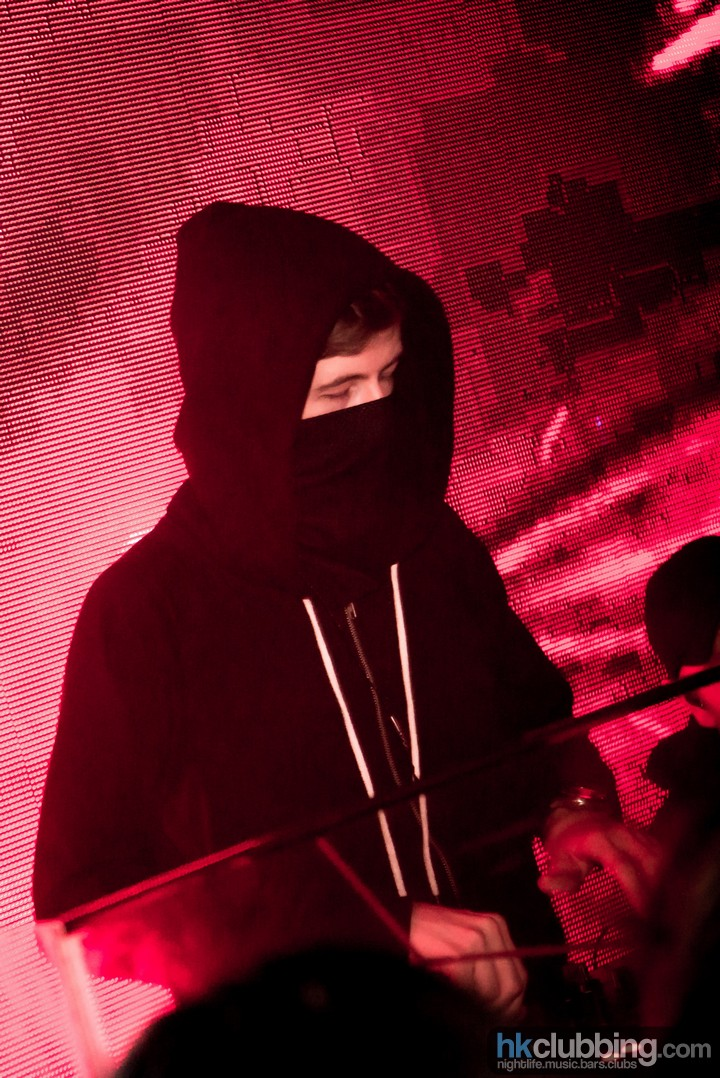 alan walker 1st time in hong kong at level_24