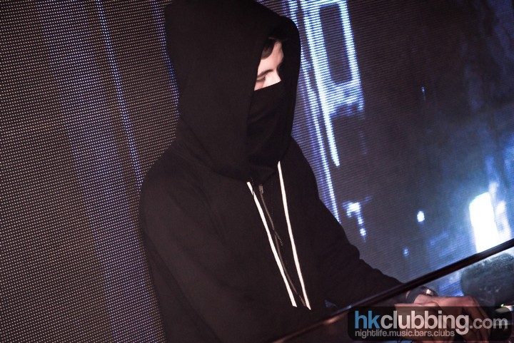 alan walker 1st time in hong kong at level_28