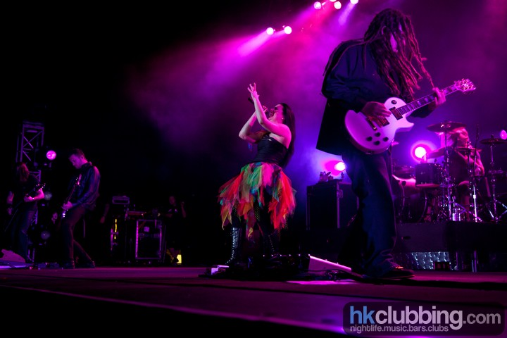Evanescence_bush_4