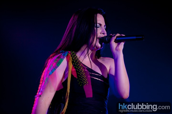 Evanescence_bush_52
