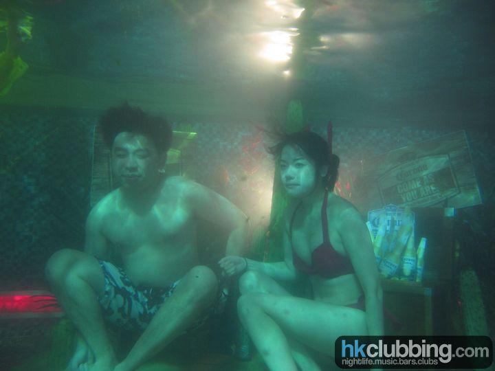 corona_pool_46