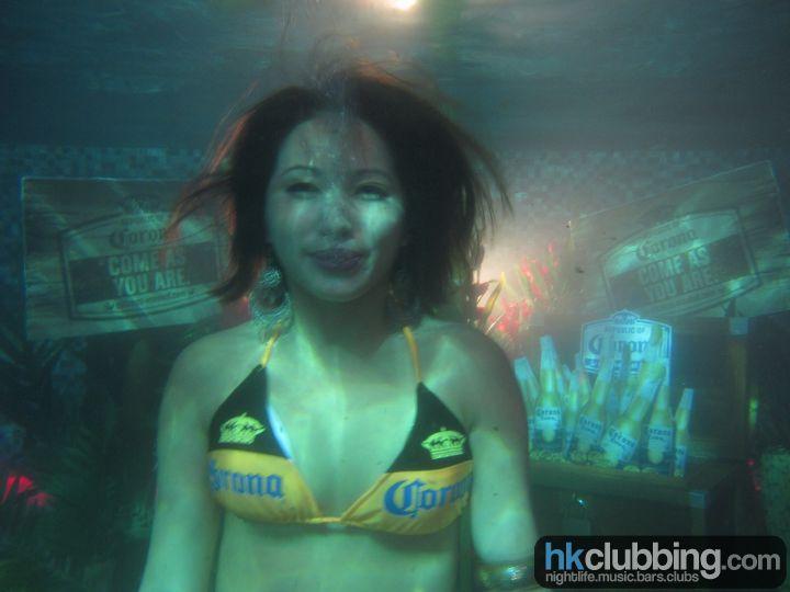 corona_pool_52